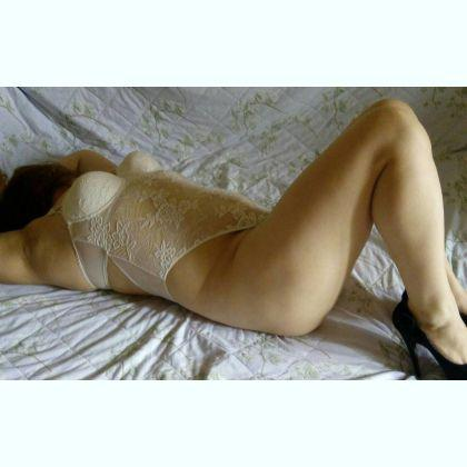 Bronte Swallows escort