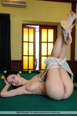 Jolande escort